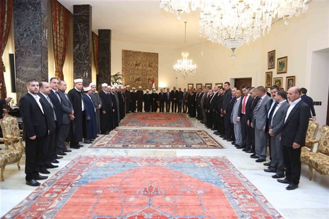 الرئيس عون استقبل رئيس المجلس الإسلامي العلوي سماحة الشيخ أسد عاصي على رأس وفد من الطائفة