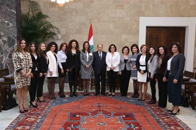 الرئيس عون التقى وفد جمعية Avenir Liban من أجل تعزيز الديمقراطية وحقوق المرأة برئاسة السيدة باتريسيا سميدا