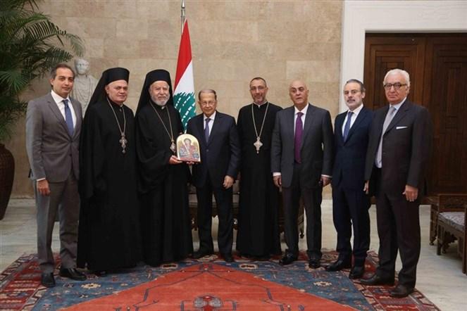 الرئيس عون التقى راعي ابرشية بيروت وجبيل للروم الكاثوليك المطران سليم بسترس على رأس وفد من الابرشية